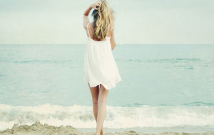 sundress-beach-posture